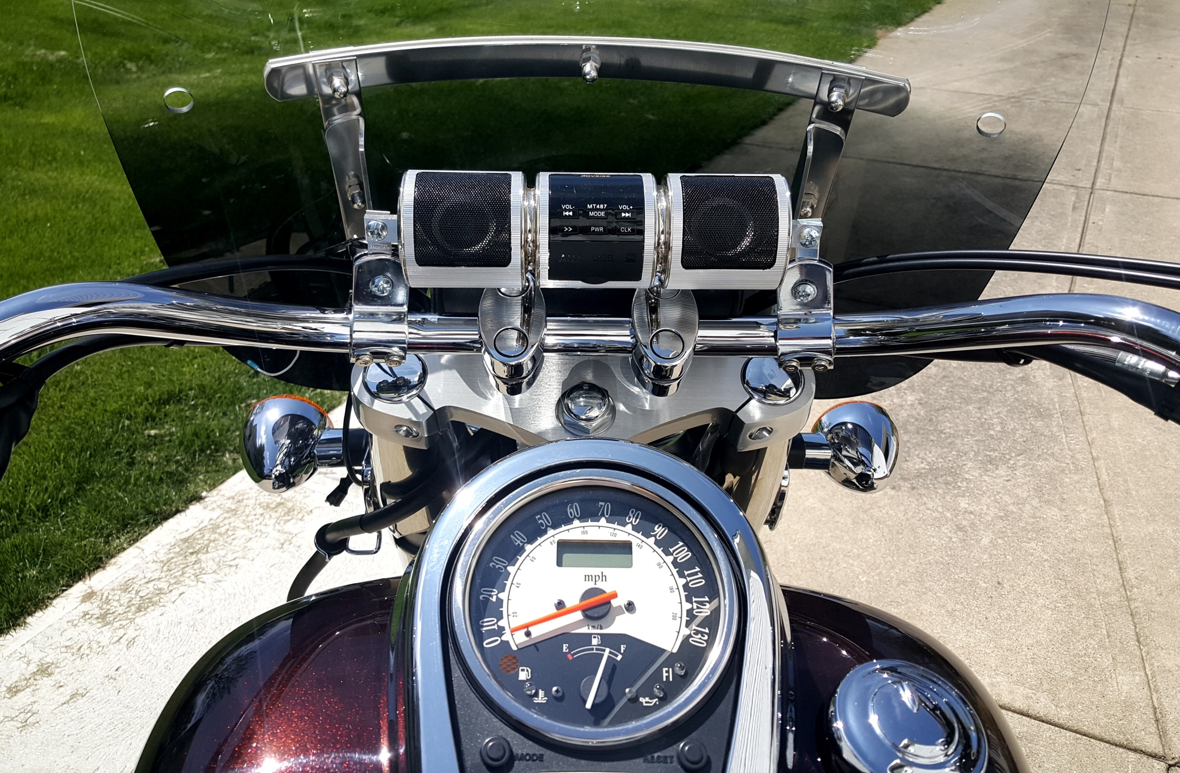 kickstart motorcycle stereo with large handle bar kit for